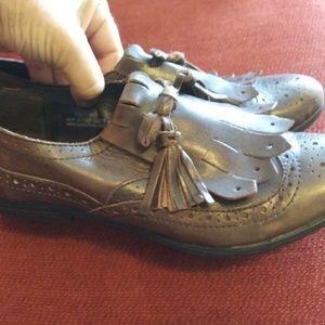 BORN brown tassel loafer